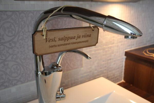 vesi, saippua ja viina
